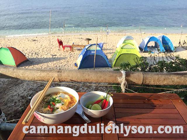 Ăn sáng ở Đảo Bé