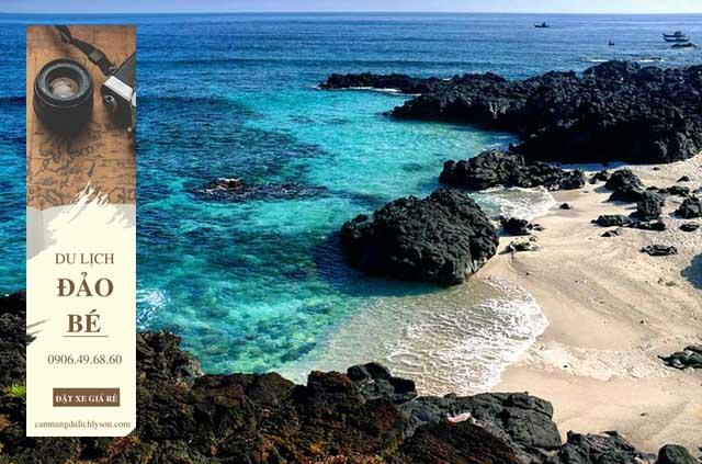 Đảo bé với nước biển xanh như ngọc