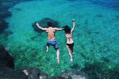Tắm biển ở Lý Sơn