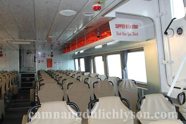 Khoang khách của tàu cao tốc lý sơn super Biển Đông