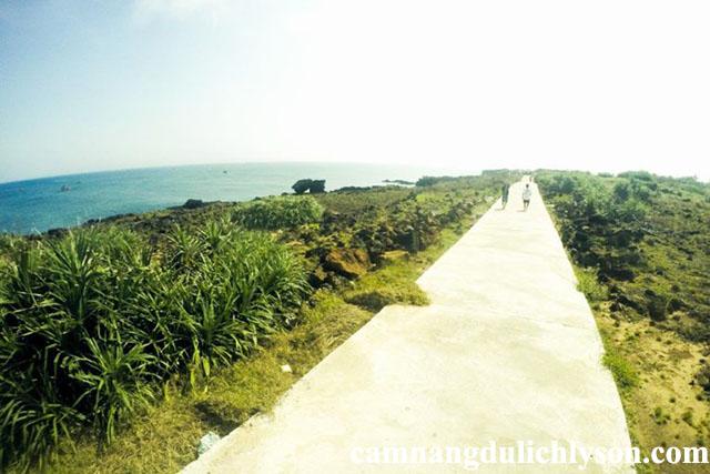 Cung đường trên đảo Bé