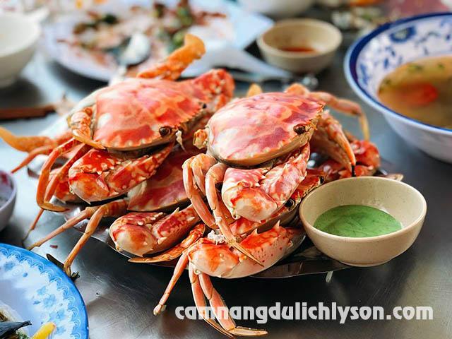 Ăn hải sản ở Homestay Lý Sơn