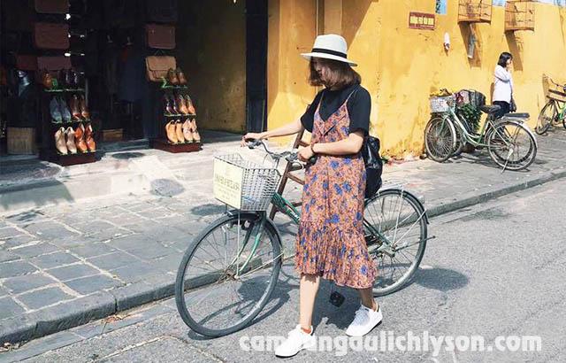 Đi xe đạp quanh Phố Cổ Hội An