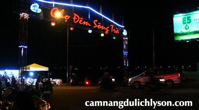 Chợ đêm Sông Trà Quảng Ngãi