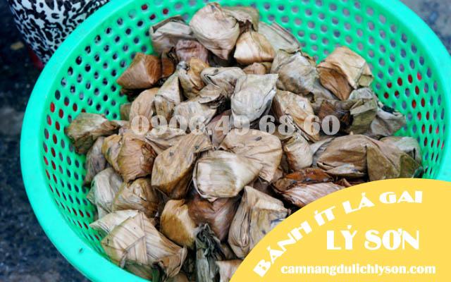 Đặc sản bánh ít lá gai Lý Sơn