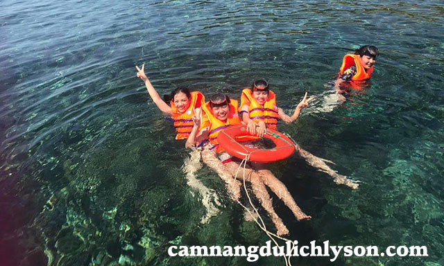 Lặn san hô ở Lý Sơn