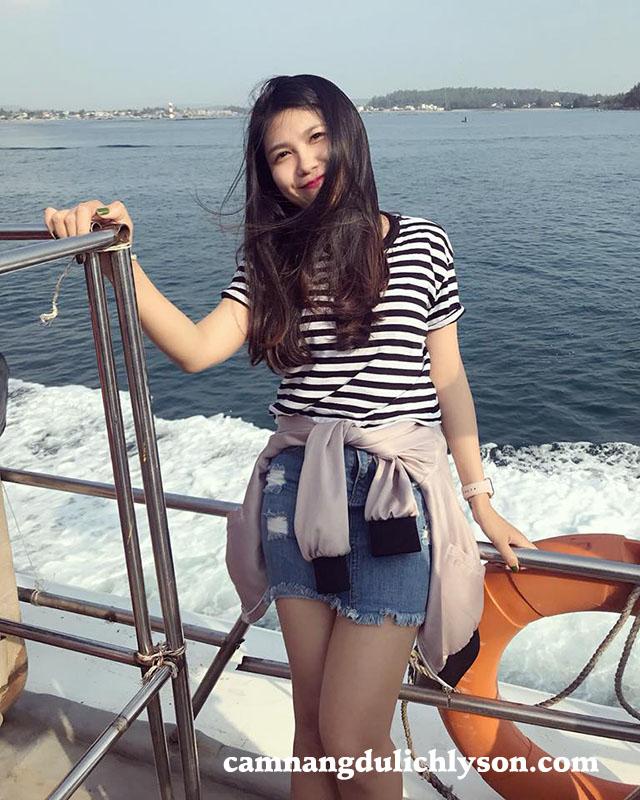 Ngắm biển ở tàu cao tốc đi Lý Sơn