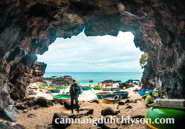 Nơi tập kết của các ngư dân chèo thuyền thúng Đảo Bé.