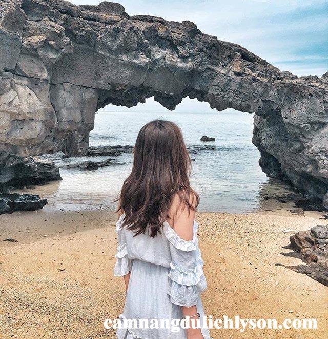 Cổng Tò Vò Đảo Lớn Lý Sơn