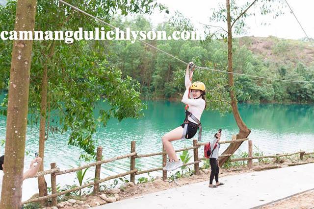 Trượt Zipline tại Suối Chí