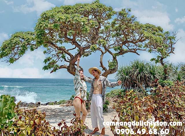 Check-in cây phong ba ở Bãi Tây Đảo Bé