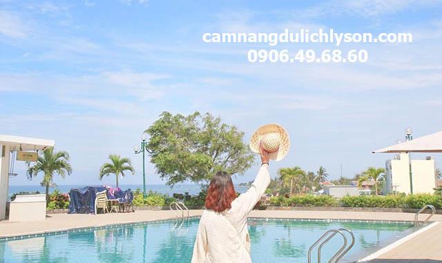 Hồ bơi khách sạn Mường Thanh Lý Sơn