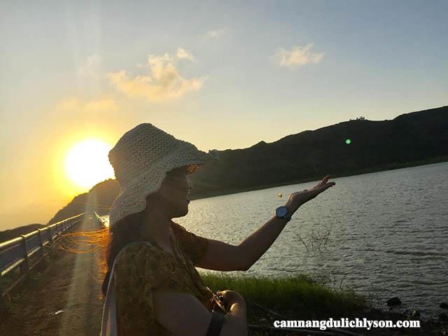 Hoàng hôn Hồ Thới Lới