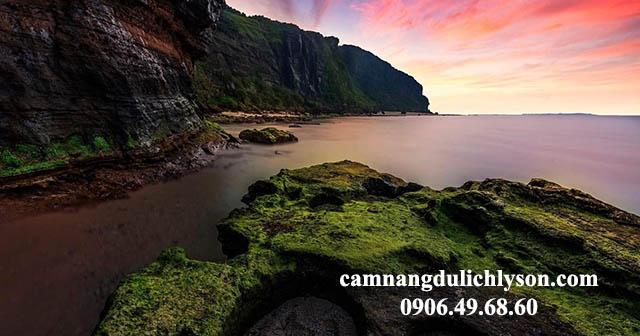 Hang Câu Đảo Lý Sơn cảnh đẹp nổi tiếng Quảng Ngãi