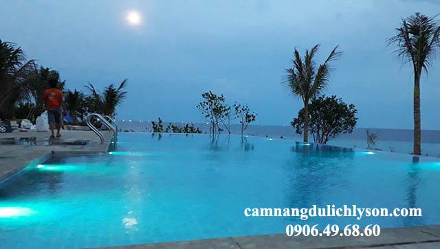 Hồ bơi vô cực khách sạn Đảo Ngọc Lý Sơn