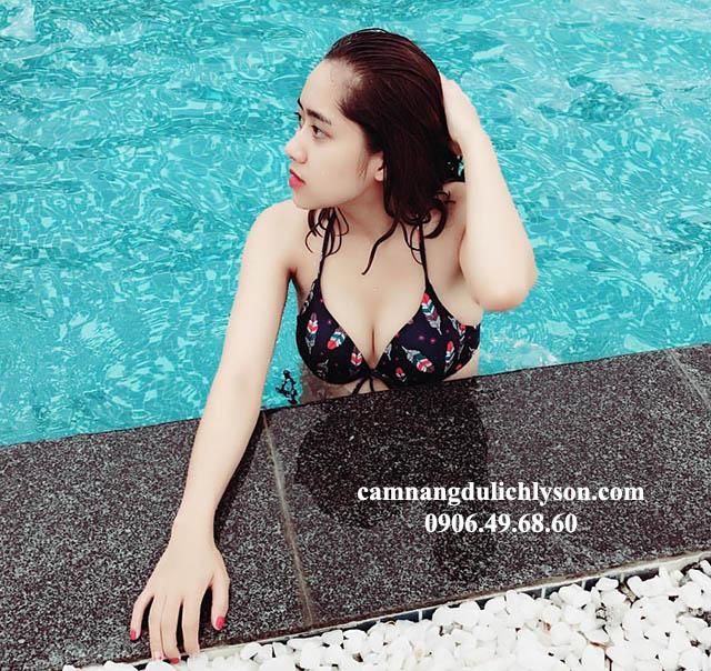 Sáng tắm ở hồ bơi Mường Thanh Lý Sơn thật tuyệt