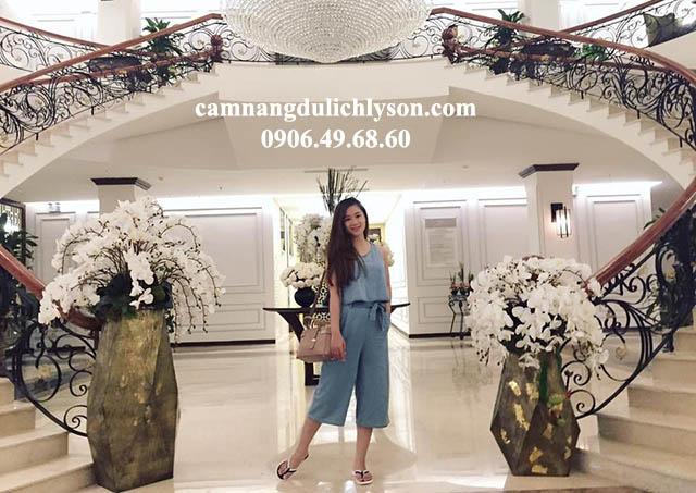 Sảnh khách sạn Mường Thanh Holiday