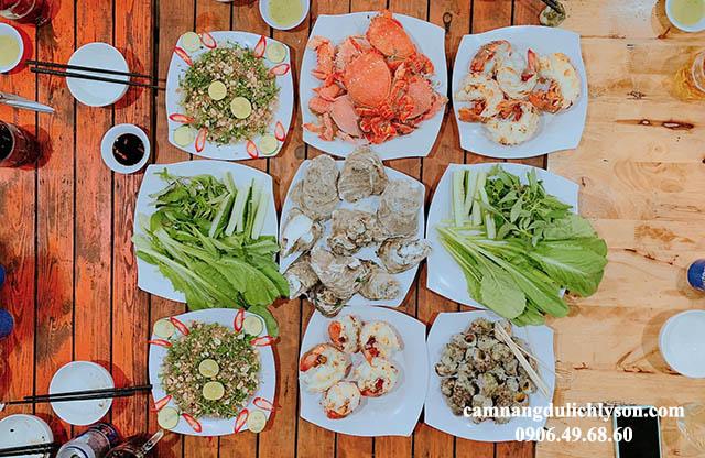 Bữa ăn trưa hải sản hấp dẫn tại Đảo Lý Sơn