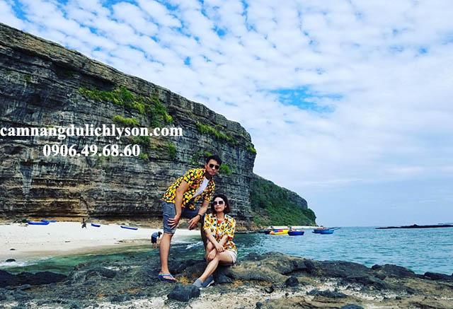 Hang Câu hùng vĩ Đảo Lý Sơn